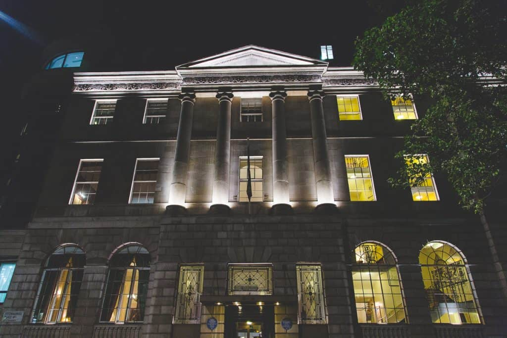Lansdowne Club, London at night